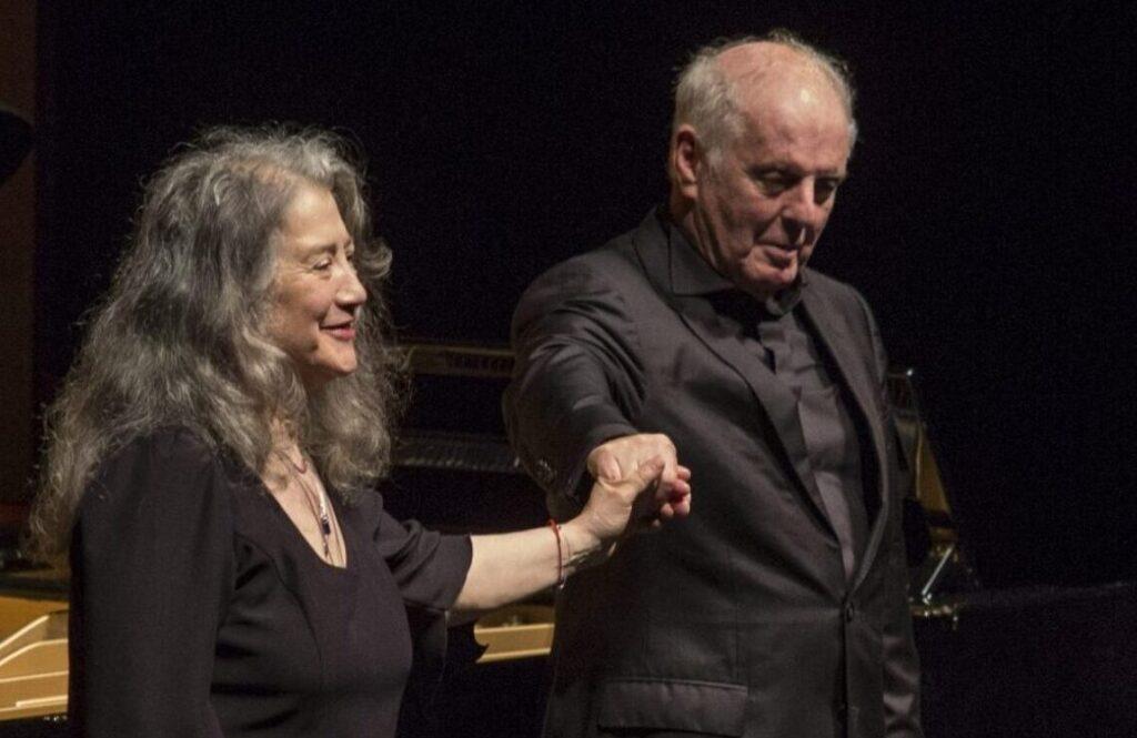 Koncertrejsen; koncert med Argerich og Barenboim i berliner Philharmonien