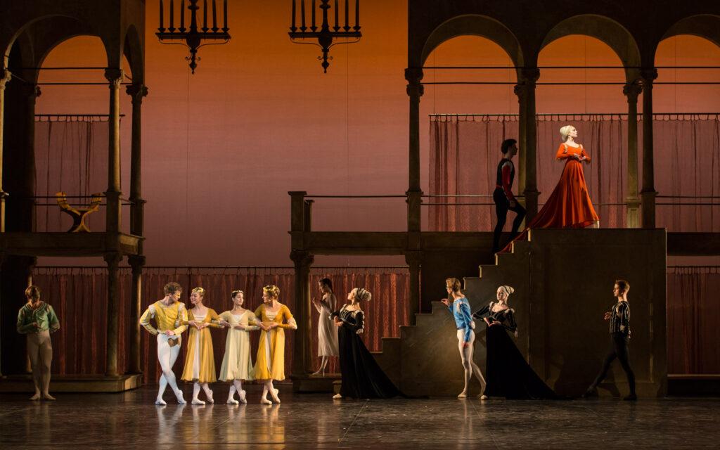 Med Koncertrejsen til balletten Romeo og Julie på Det kongelige Teater