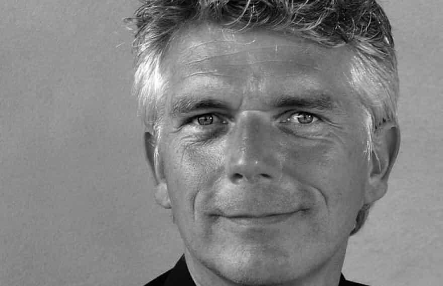 Koncertrejsens gæst, Sten Byriel